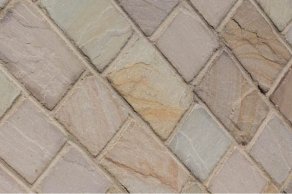 stonetraders-13-900×600